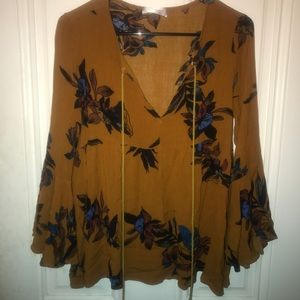 Bell sleeve fall floral top